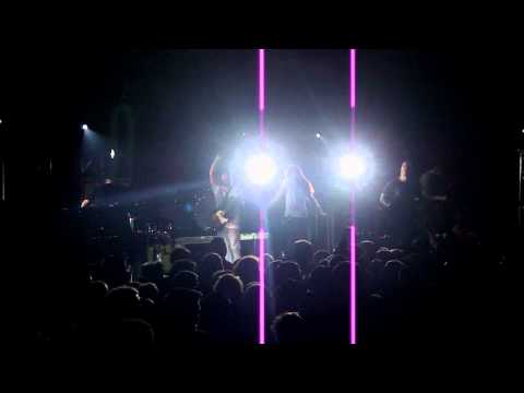 Underoath - Illuminator (BRAND NEW SONG - LIVE HD)