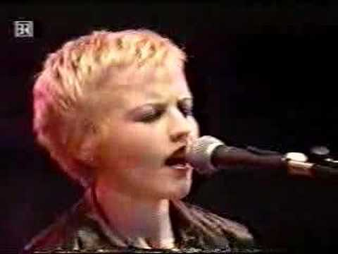 The Cranberries - Ode To My Family `95
