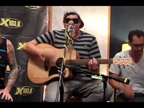 "The Dirty Heads feat. Rome ""Lay Me Down"" Acoustic (High Quality)"