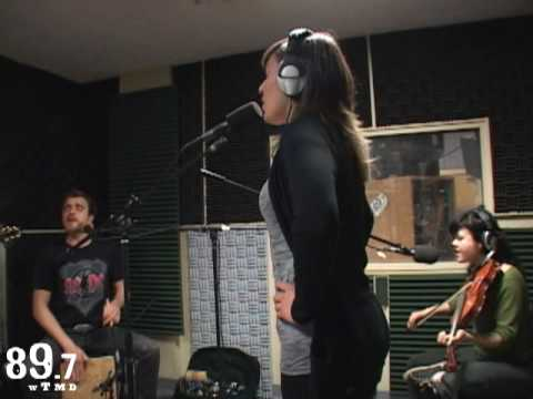 "The Duhks perform ""You Don`t See It"" Live at WTMD"