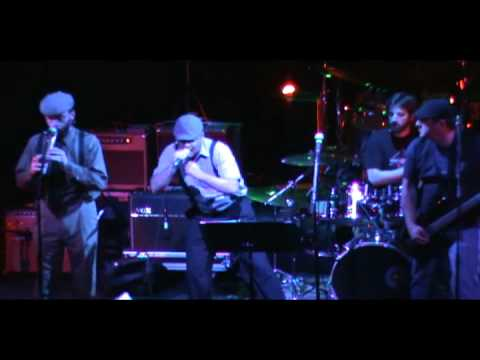 Brick Top Blaggers - Government Issue (Live at Galaxy Theatre NYE 2010)