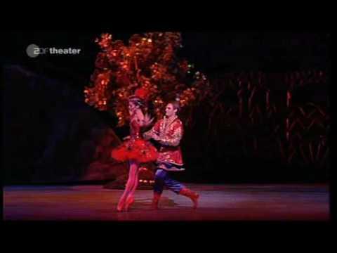 "Igor Strawinsky - (2/6) L`Oiseau de feu (""The Firebird"" - Mariinsky Theatre Ballet and Orchestra)"