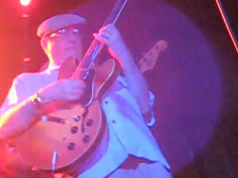 Dennis Coffey performing Scorpio live at 2009 Ponderosa Stomp with the Bo-Keys