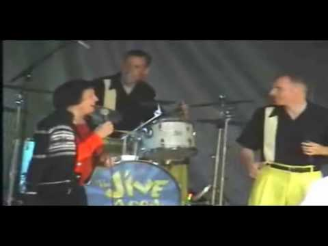 Keeley Smith & The Jive Aces At Summertime Swing 2009 - 2 of 2