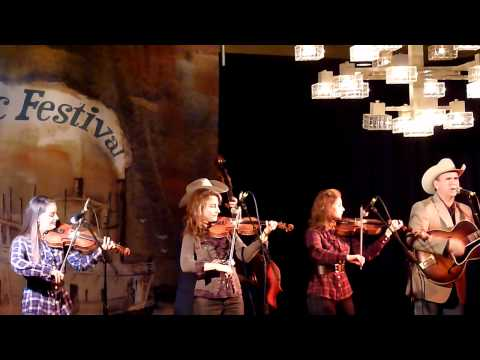Walkin` The Floor Over You-Quebe Sisters Band-Live In Portland