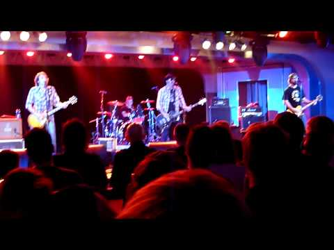 Supersuckers - I Believe In Miracles (Ramones) - Live at The Breeders` curated ATP May 2009
