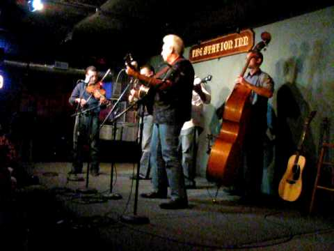 """the Travelin` McCourys (feat. Del McCoury): """"Don`t Let My Love Get in the Way."""" (08.26.09)"""