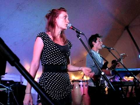 This Must Be The Band - Talking Heads Tribute - And She Was