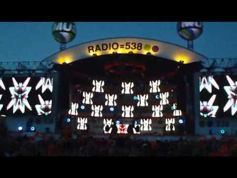 (HD) DJ Tiesto Museumplein Koninginnedag 2010 DEEL 1