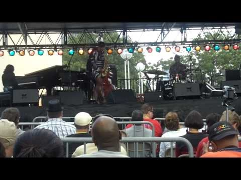 Tia Fuller - Shades of McBride (Live at Detroit Jazz Fest 2010)