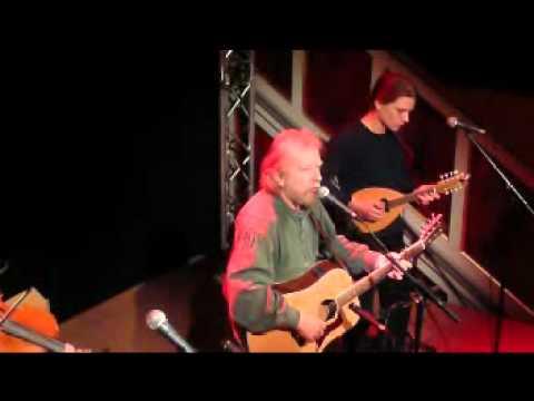 Tommy Sands Trio auf der B�hne der Kniki