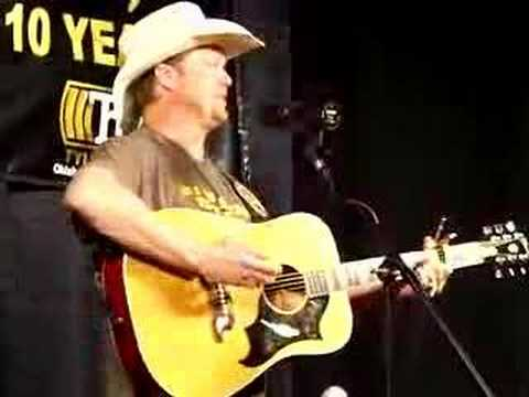 "Tracy Lawrence ""Can`t Break it to my Heart"" LIVE at KKNG"