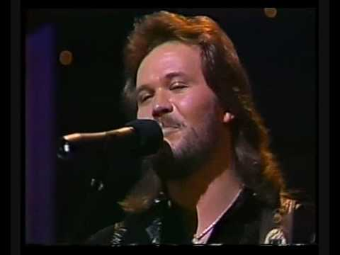 Travis Tritt - Here`s A Quarter Call Someone Who Cares
