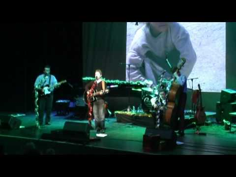 """Ben (BENNANTYLAD) performing """"I Want to Live"""" with the Johnny Cash Roadshow"""