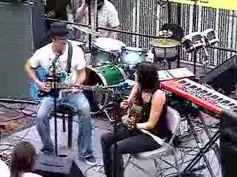 "G Love ""Beautiful"" w/ Tristan Prettyman Live @ Lou`s Records"