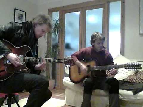 `nick buckingham with ian cook acoustic rock ``green morning sun ` jam in my lounge