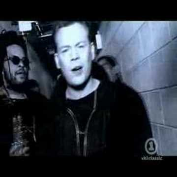 UB40 CAN`T HELP FALLING IN LOVE
