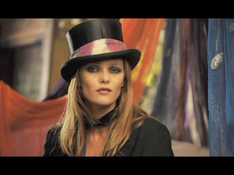Vanessa Paradis - Il ya (clip officiel)