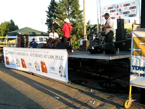 "VASTI JACKSON, -""Hoochie Coochie Man"" @ Blues on the Grand in Lansing, Michigan. 7/1/10."