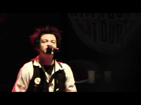 SUM 41 Skumfuk new song LIVE Vienna, Austria 2010-11-14 1080p FULL HD
