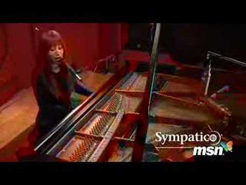 Tori Amos - Velvet Revolution