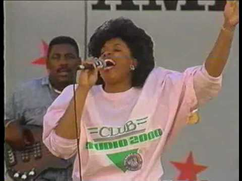 Vickie Winans & Marvin Winans (Ain`t No Need To Worry)