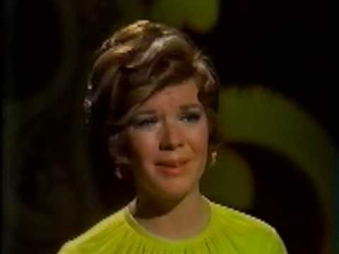 VIKKI CARR - WITH PEN IN HAND