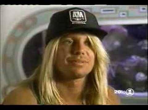 axl rose and vince neil s verbal fight