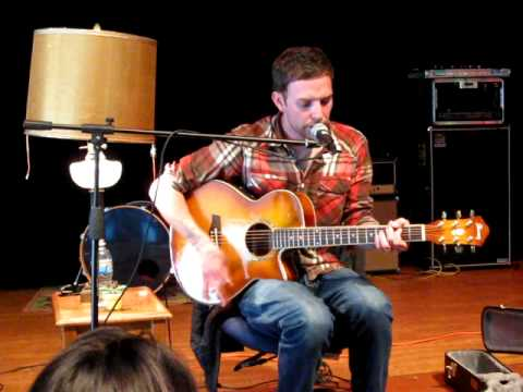 Vinnie Caruana - Ship To Shore (Live Acoustic @ WNYO Mayday Concert 5/3/2009)