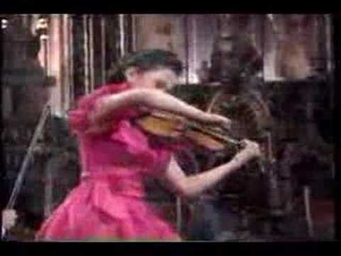 sarah chang plays Tchaikovsky violin concerto part1
