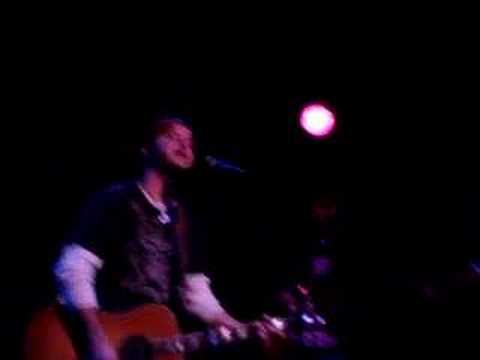 Wade Bowen - Walkin` Along the Fenceline (Live)