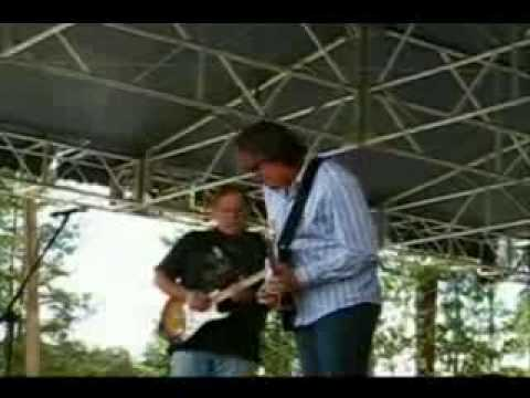 Walter Trout and Joe Bonamassa dueling guitars part 1.wmv