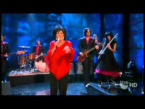 `Funnel Of Love` Jack White y Wanda Jackson Conan O`Brien