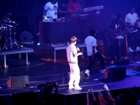 One Less Lonely Girl - Justin Bieber @ Wango Tango 2010