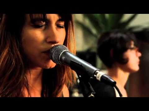 Warpaint - Bees (Yours Truly Session)