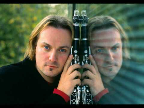 Wojtek Mrozek plays Mozart Clarinet Quintet Larghetto