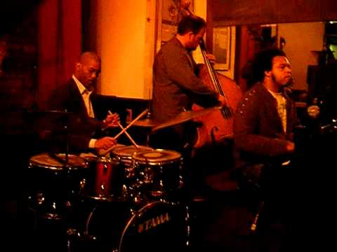 "Robert Rucker Quartet plays ""Night Dreamer"" w/ Eric Lewis on piano"