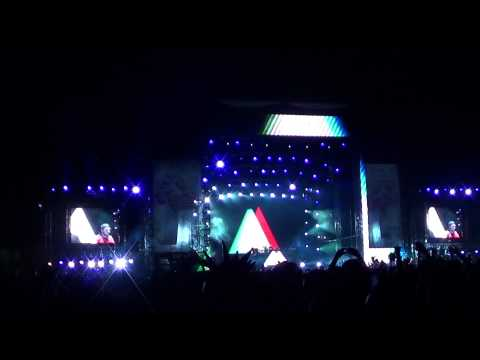 Swedish House Mafia - In The Air (Axwell Mix) @ EDC 2010 Los Angeles [HD]