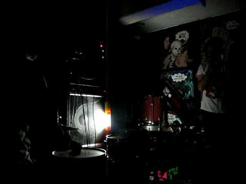Wet Hair - Electric Annihilation (Echo Curio 11-24-08).AVI