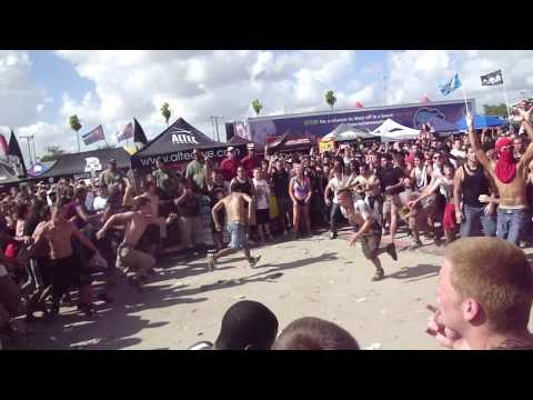 White Chapel (Wall of Death) @ West Palm Beach`s Warped Tour 2010