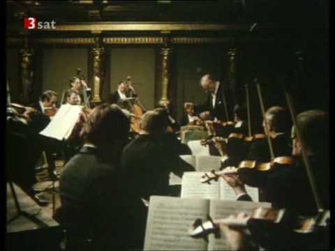 """WA Mozart - (3/4) Serenade in G major, K 525 """"Eine kleine Nachtmusik"""" - III. Menuetto"""