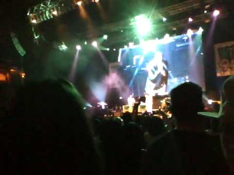 Wild Jam 2010 - BoB feat. Hayley Williams - Airplanes (live)
