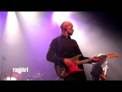 WILKO JOHNSON Machine Gun Guitar PARIS 2010