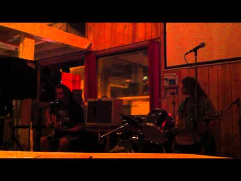 Wille And The Bandits - New Breed (Live @t Cream Cafe - September 2010)