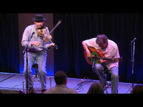 Willie and Lobo - El Faro The Lighthouse (Live in the Bing Lounge)