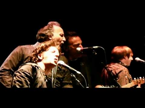 Willie Nile (featuring Bruce Springsteen) - Heaven Help the Lonely