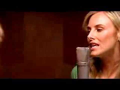 "Wilson Phillips ""Go Your Own Way"" 2004 -Video"