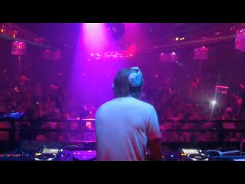 David Guetta plays Riverside & Pump up the jam (Sidney Samson Remix) @FMIF, Mansion Miami 2010