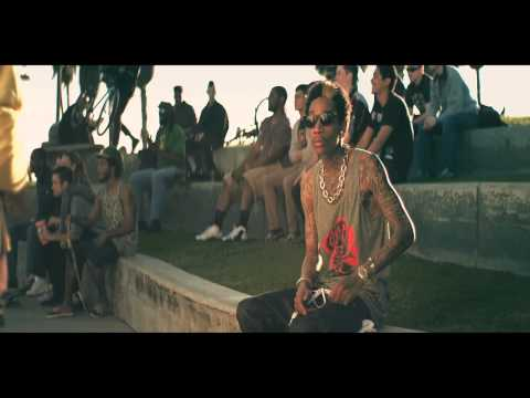 Wiz Khalifa - Roll Up [Official Music Video]