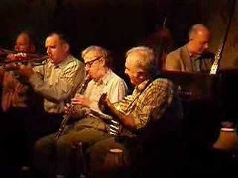 Woody Allen plays jazz at The Carlyle in NYC